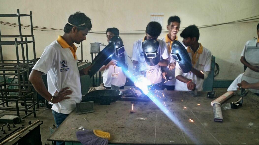 Assessment conducted under Kaushalya Setu Abhiyan at Puranmal Lahoti Government Polytechnic, Latur, Maharashtra on 15th September 2017.