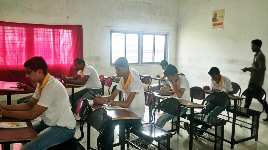 Assessment conducted under Kaushalya Setu Abhiyan at Shri. Nanasaheb Mahadik Polytechinc Institute, Sangli, Maharashtra on 17th September 2017.